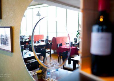 quiet restaurant